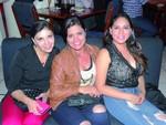 Claudia Velasquez, Paola Calderas y Liz Fernández.