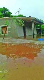 Se inundaron tres casas en Carandaití