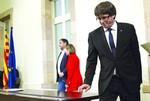 """España exige """"claridad"""" a Puigdemont"""