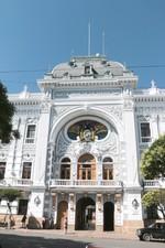 ATENCIÓN. La Gobernación tiene una oficina que se encarga de los casos de discriminación.
