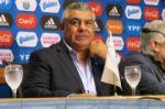 Conmebol cesa a Tapia tras su crítica al arbitraje del Brasil-Argentina