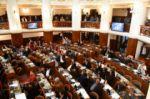 Aprueban ley que prorroga mandato de supraestatales