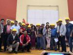 """""""Cascos Amarillos"""" reciben un reconocimiento de la Alcaldía por su lucha en noviembre"""