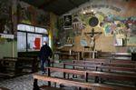 Curas villeros, hombres orquesta en los barrios pobres de Buenos Aires