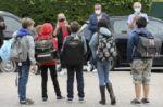 """""""¡Nos hizo mucha falta!"""": los niños en Francia regresan a clases"""