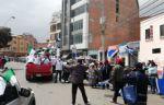 Militantes del MAS atacan y corretean caravana de Chi Hyun Chung en El Alto