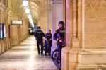 """Tiroteo en Viena, calificado como """"probable ataque terrorista"""", deja dos fallecidos"""