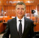 Conoce al primer boliviano que asume como alcalde en EEUU