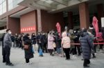 China refuerza controles por coronavirus ante llegada del invierno