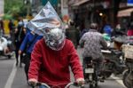 La OMS inicia en Wuhan su investigación de la pandemia, que aísla a Brasil