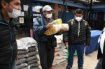 Comerciantes damnificados por granizada reciben alimentos de la Gobernación