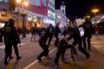 En vivo: Altercados y choques en nuevas protestas por detención de rapero en España