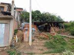 Sucre: Doña Fausta y sus hijos viven en una precaria casa sostenida con listones