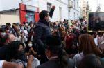 Arauz se anticipa a resultados y se presenta como ganador en balotaje en Ecuador