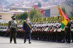 """En el aniversario policial, Arce condena el """"motín"""", pide """"fidelidad"""" y llevar la wiphala con orgullo"""