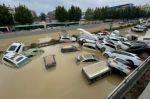 Lluvias torrenciales en China dejan 16 muertos y un metro inundado