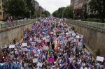 """Cientos de manifestantes reclaman en Washington """"libertad para Cuba"""""""