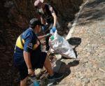 Jóvenes voluntarios limpian el cerro Churuquella
