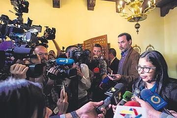 Venezuela da a EEUU dos semanas para reducir su personal