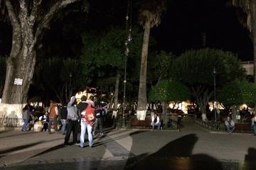 Plaza 25 de Mayo vuelve a estar a media luz