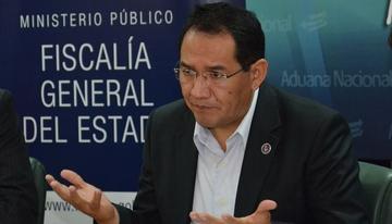 Investigan a fiscal paceño por corrupción