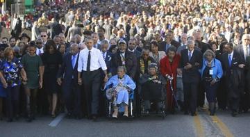 Celebran 50 años de marcha por derechos