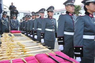 Morales entrega bastones de mando a 28 militares
