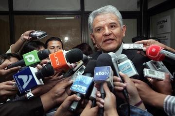 Defensor del Pueblo pide investigar a ex ministros