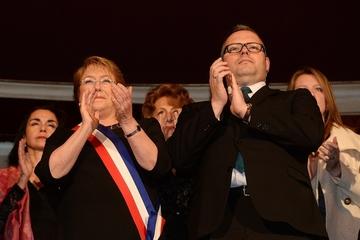 Fiscalía chilena allana casa de hijo de Bachelet