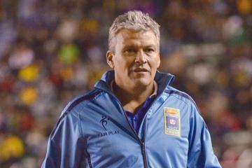 San José cambia de entrenador a  dos días de la Copa