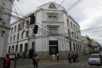 En Sucre marchan a favor de periodista detenido