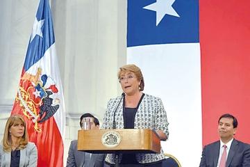 Bachelet anuncia reformas para  frenar corrupción