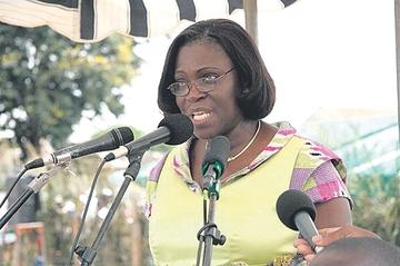 Condenan a la esposa de ex presidente
