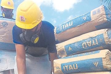 Itacamba empieza a importar cemento