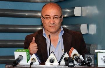 Ministro dice que debe investigarse a fondo la detención de periodista