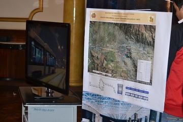 Gobierno garantiza $us 450 millones para tren eléctrico en Cochabamba