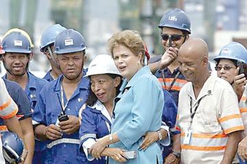 La oposición pone a Rousseff en jaque
