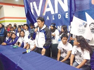 Iván, proclamado ganador por la juventud masista
