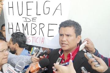 Ayllón instala una huelga  y pide cese la persecución