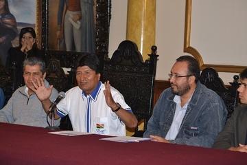 "Morales dice que Obama pida ""perdón"" a América Latina"