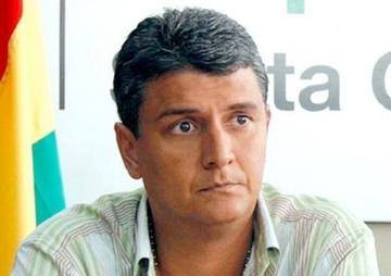 Ernesto Suárez denuncia que fue allanado y encañonado por policías en un hotel del Beni