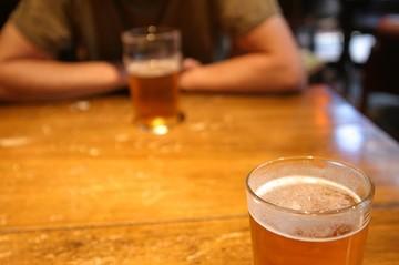 Un estudio revela que cinco de cada diez bolivianos consumen alcohol
