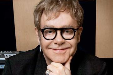 Elton John contra D&G por criticar a familias gays