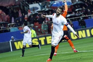 Sevilla supera al Villareal