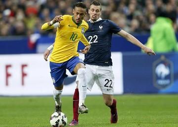 Neymar comanda la remontada de Brasil ante Francia