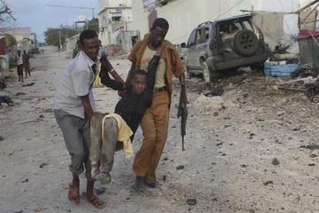 21 muertos en atentado con coche bomba en Mogadiscio