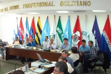 Evo Morales convoca  a los dirigentes ligueros