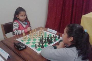Nathalia Bustillos asiste al nacional sub 10 de ajedrez