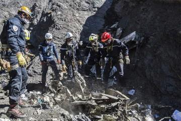 Tragedia de Los Alpes: La penosa tarea del forense