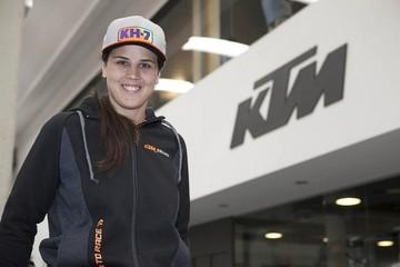 Laia Sanz ficha por KTM hasta finales de 2017